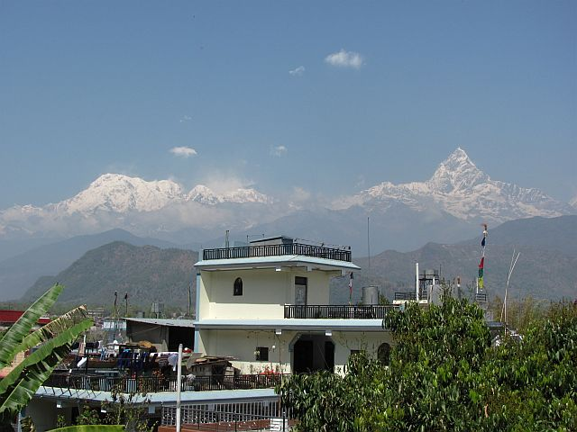nepal-house-and-mountains