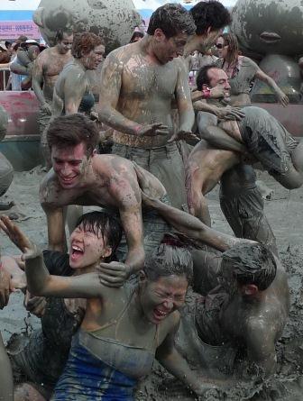 mud-fight