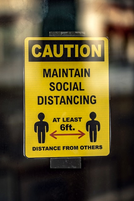 yellow-and-black-caution-wet-floor-sign-4515086